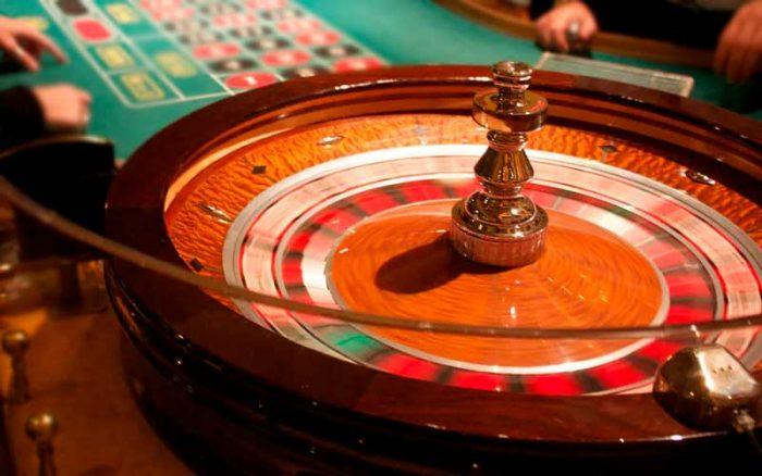 Mensen spelen roulette
